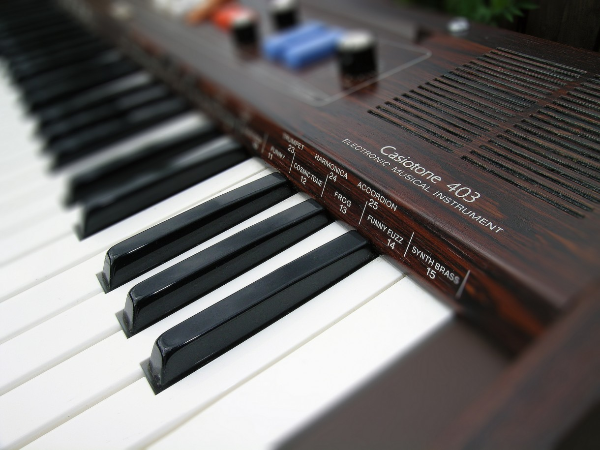 Casiotone '403' synth