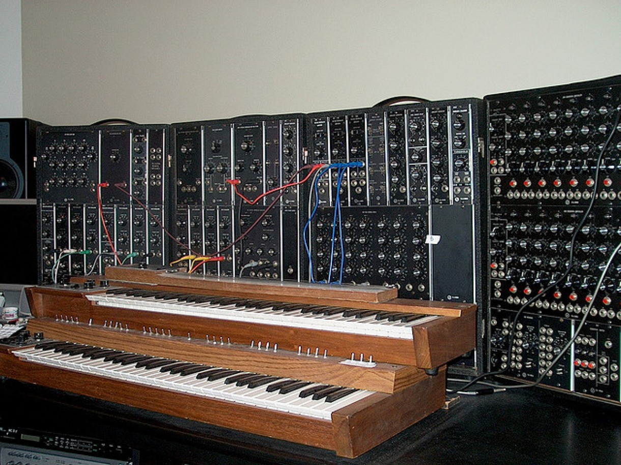 'Moog IIIP' synth