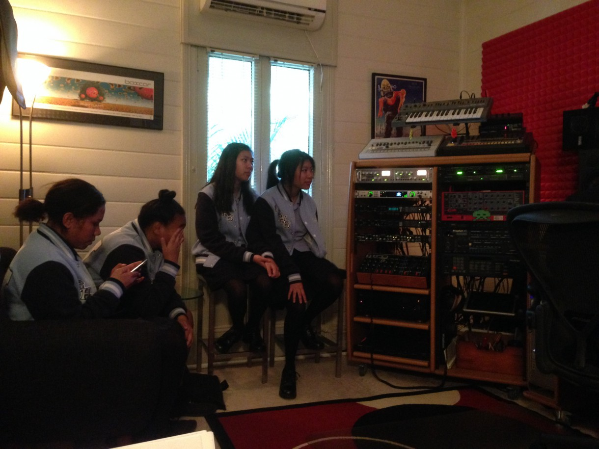 Groove Q studio: Showing the girls how we process sounds